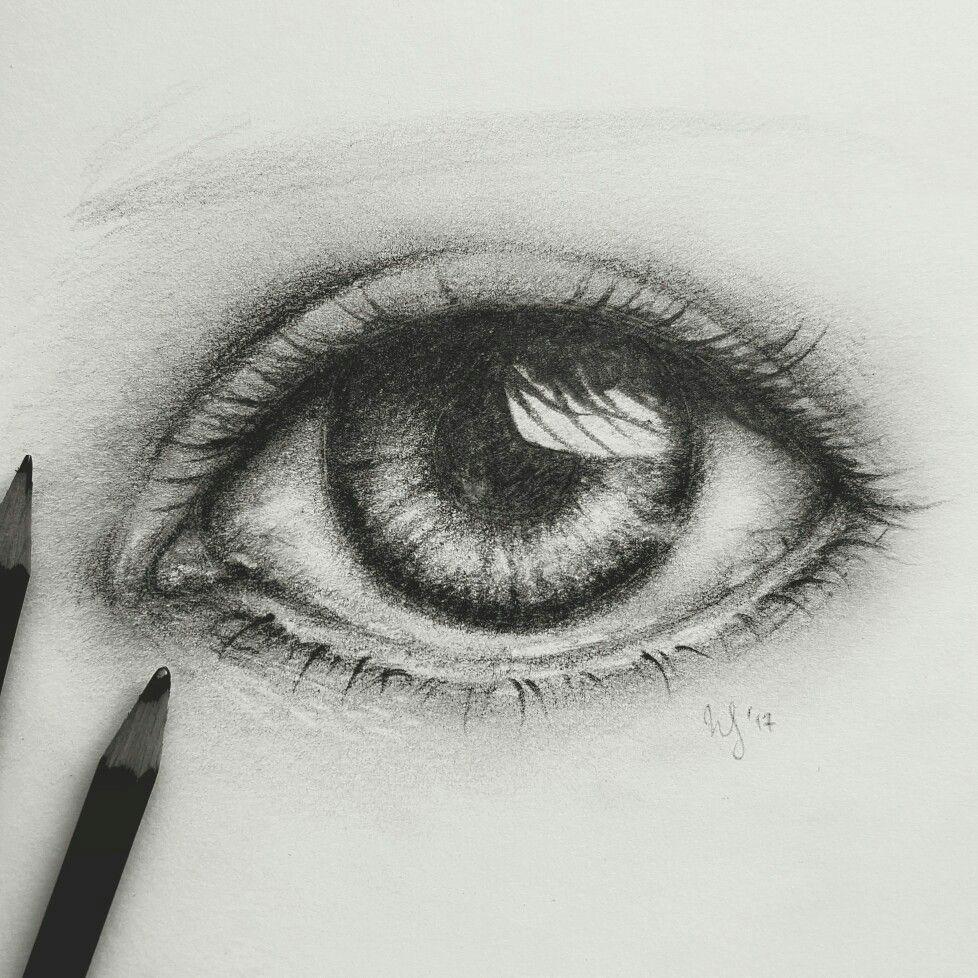 eye sketch by nadine sophie instagram