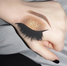 glamour queen hand makeup