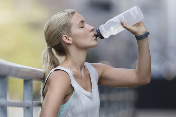 how much water should you drink in a day the easy wee test to tell if you re drinking enough mirror online