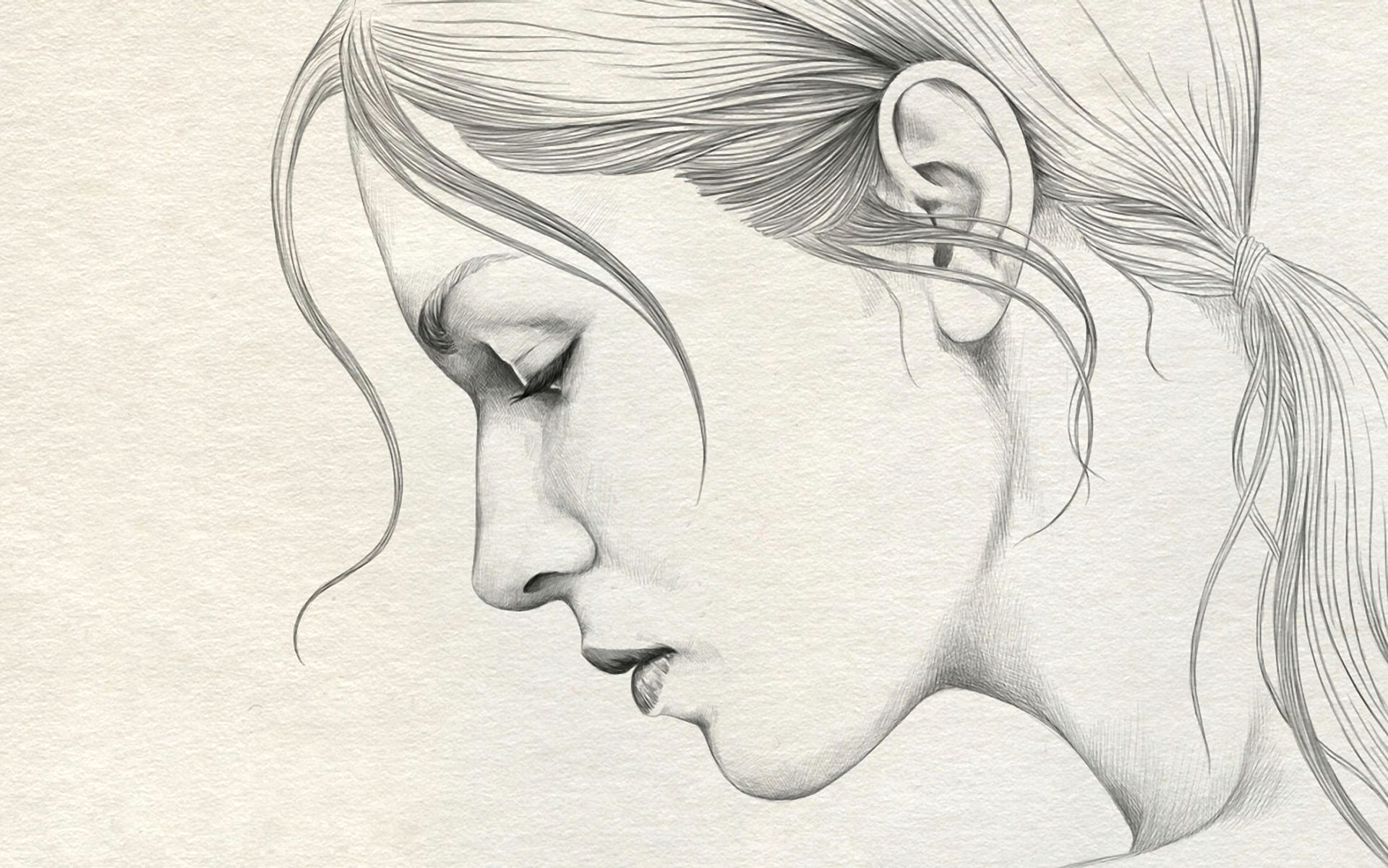 simple pencil drawing of lady face side