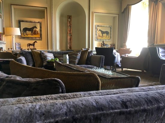 wood hall hotel spa the oak bar and drawing room