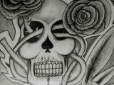 Skull Drawing with Feathers Skull Roses A C Simon Dessins Black White by Simon Pinterest